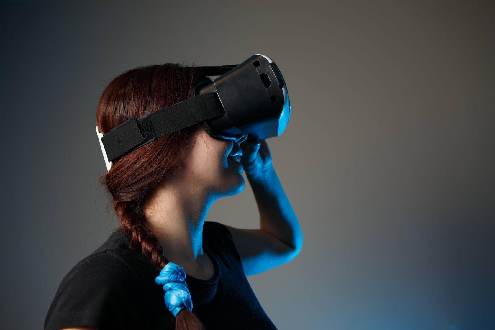 VR-headset-01.jpg